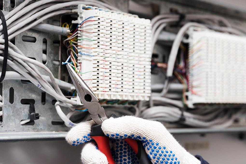älykkäät valaistusjärjestelmät ja saneerauspalvelut